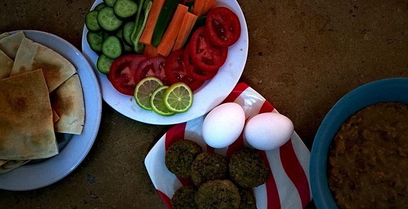 Egipskie śniadanie jest jednym z najbardziej popularnych potraw w Egipcie.