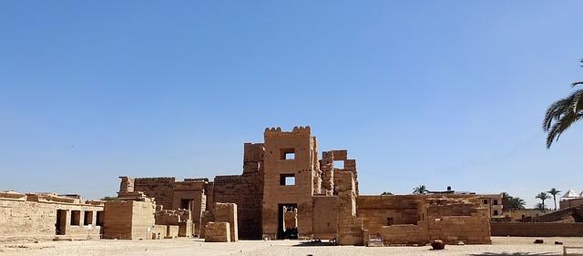Мединет Абу в Луксоре Египет.